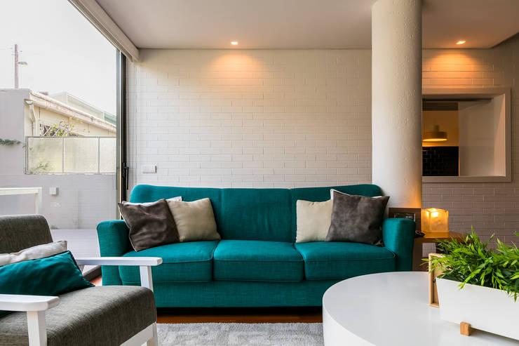 Sala de Estar: Salas de estar  por Franca Arquitectura