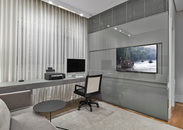 modern Study/office by Alessandra Contigli Arquitetura e Interiores