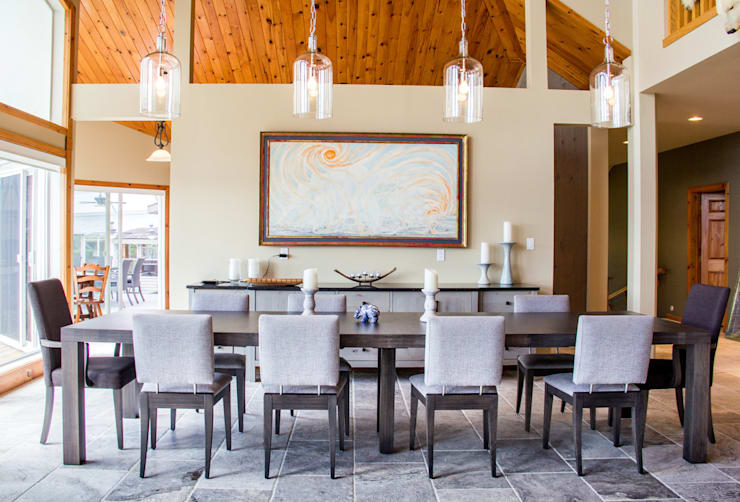 Lake of the woods cottage dining room:  Dining room by Unit 7 Architecture