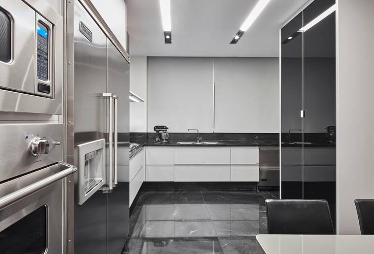 Projekty,  Kuchnia zaprojektowane przez Alessandra Contigli Arquitetura e Interiores