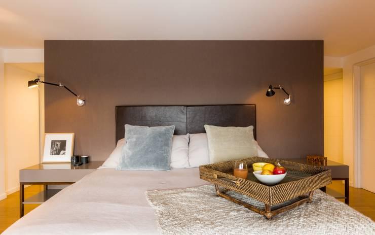 Departamento en La Cuesta : Dormitorios de estilo  por Interiores B.AP