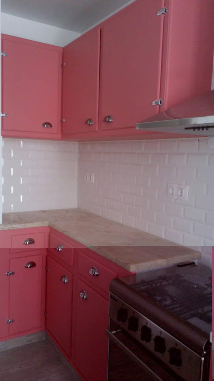 Casa em Benavente: Cozinhas  por QFProjectbuilding, Unipessoal Lda