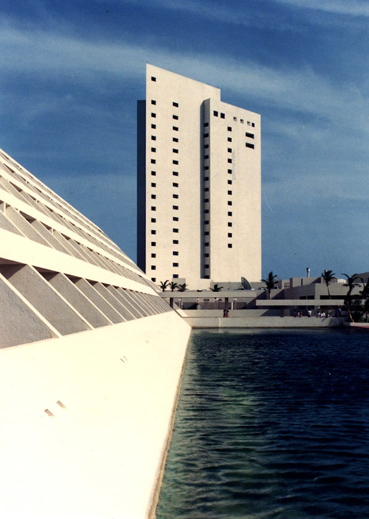 Camino Real Cancún - MAC Arquitectos Consultores: Casas de estilo  por MAC Arquitectos Consultores