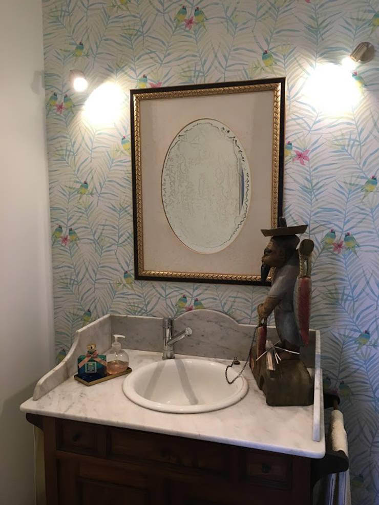 Casa em Benavente: Casas de banho  por QFProjectbuilding, Unipessoal Lda