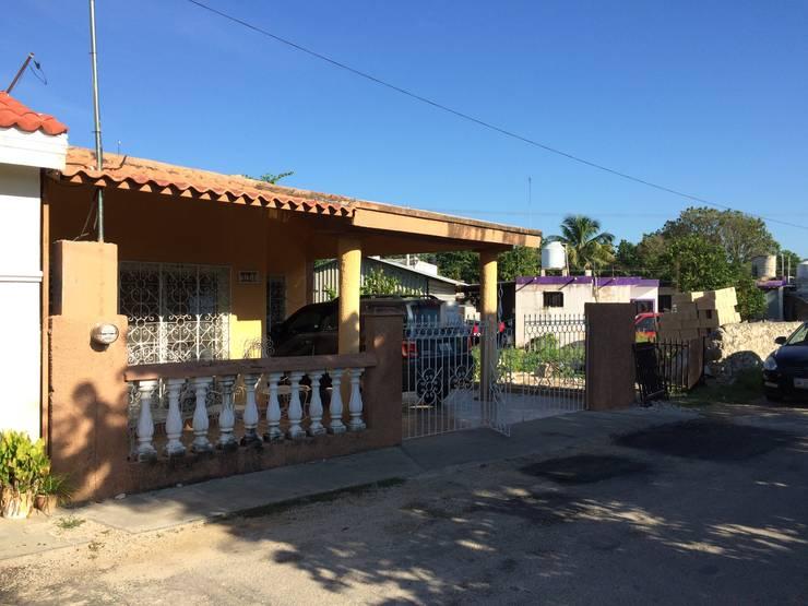 Fachada anterior.: Casas de estilo minimalista por Constructora Asvial - Desarrollador Inmobiliario