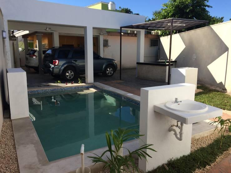 Vista general: Albercas de estilo minimalista por Constructora Asvial - Desarrollador Inmobiliario