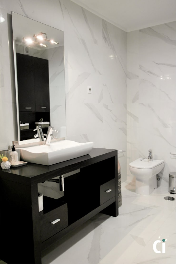 Remodelação de WC, 2016 - Braga: Casas de banho  por Ci interior decor