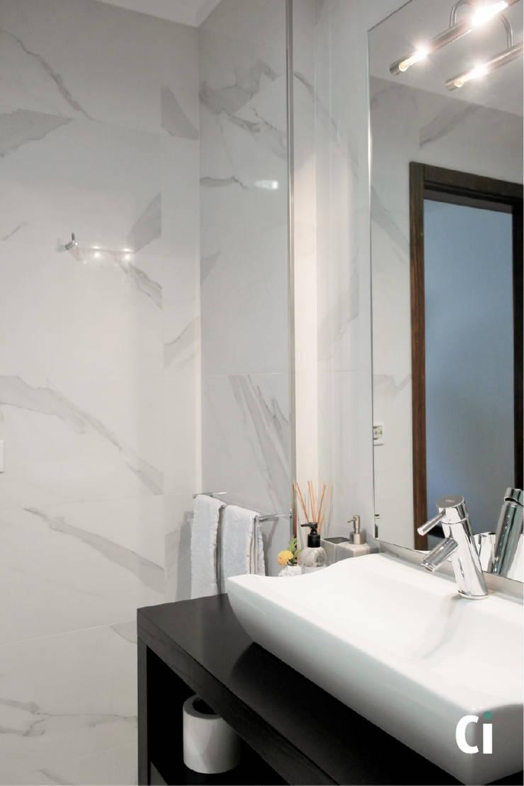 Remodelação de WC, 2016 – Braga: Casas de banho  por Ci interior decor