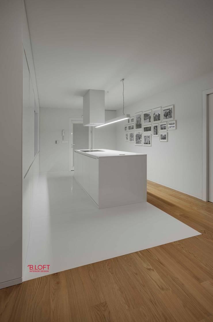 Vista geral cozinha: Cozinhas  por B.loft