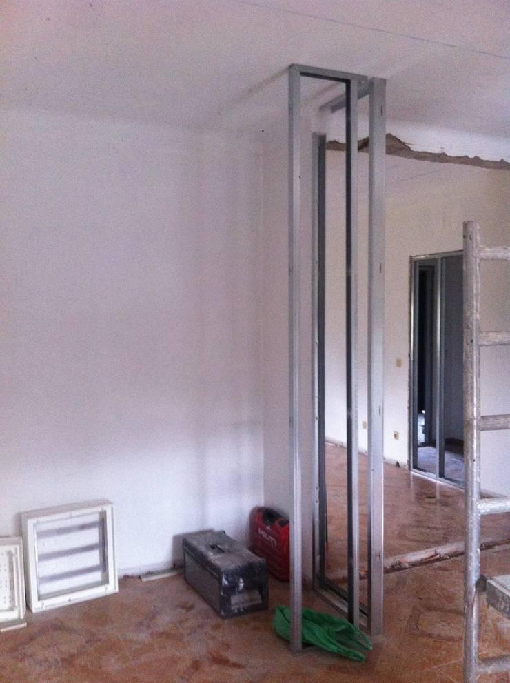aspecto Inicial entrada dos dois quartos (No final será a ligação entre a cozinha e sala):   por arcquitecto