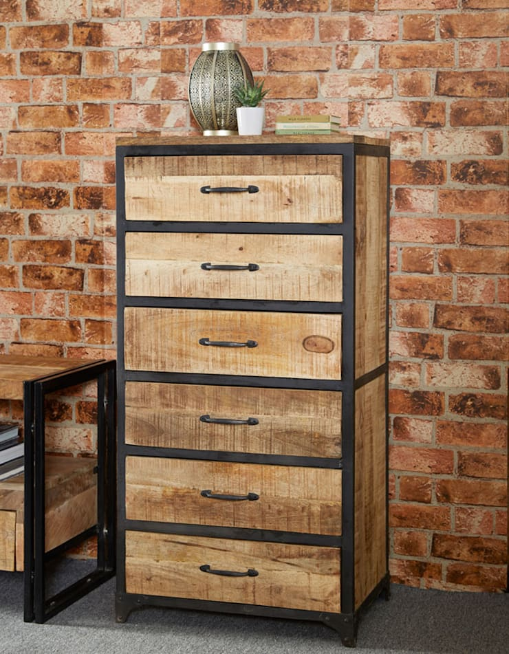 Cosmo Industrial Chest:  Living room by Industasia
