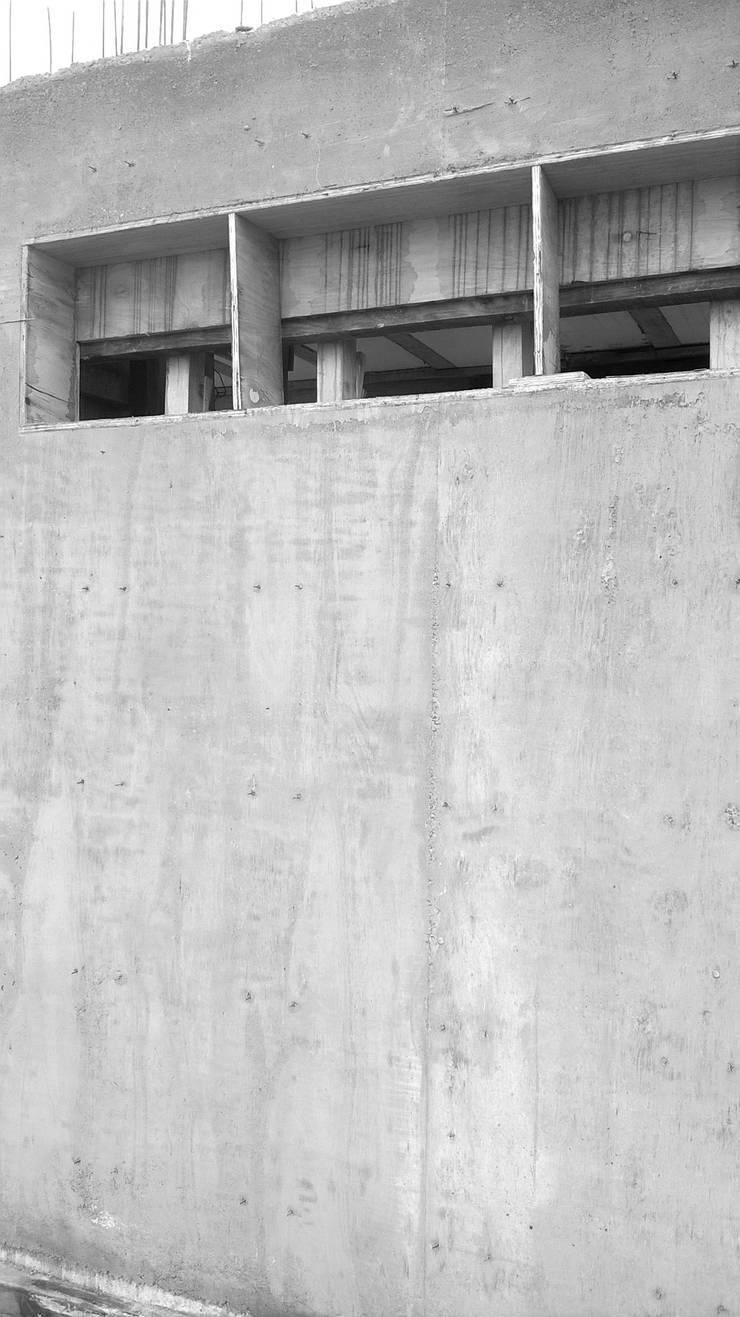 Hormigón Visto: Casas de estilo  por CASTELLINO ARQUITECTOS (+)