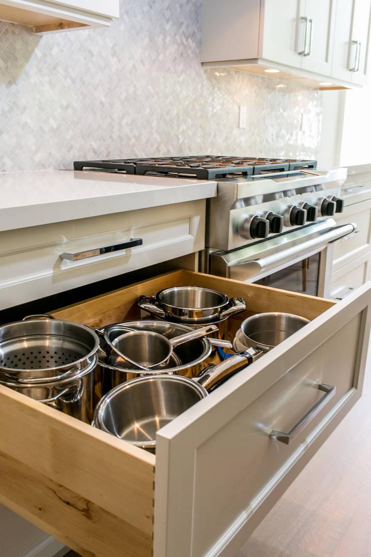 Wanita Rd Project:  Kitchen by Tango Design Studio