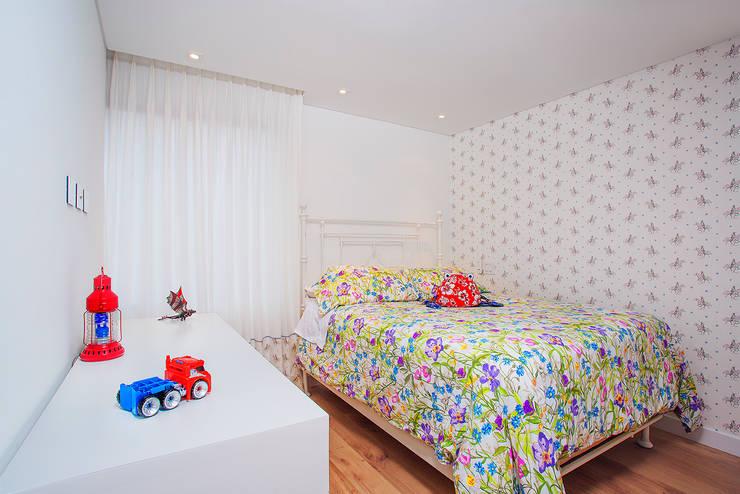 Dormitorios infantiles de estilo moderno por Bloque B Arquitectos