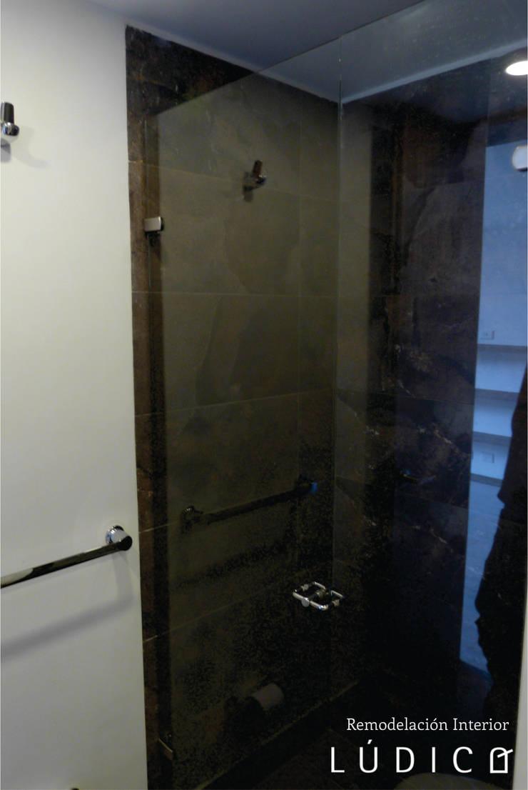 Remodelación Apartamento Chapinero: Baños de estilo minimalista por Lúdico Arquitectos