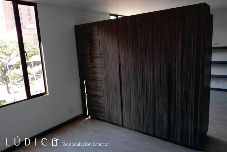 Remodelación Apartamento Chapinero: Habitaciones de estilo minimalista por Lúdico Arquitectos
