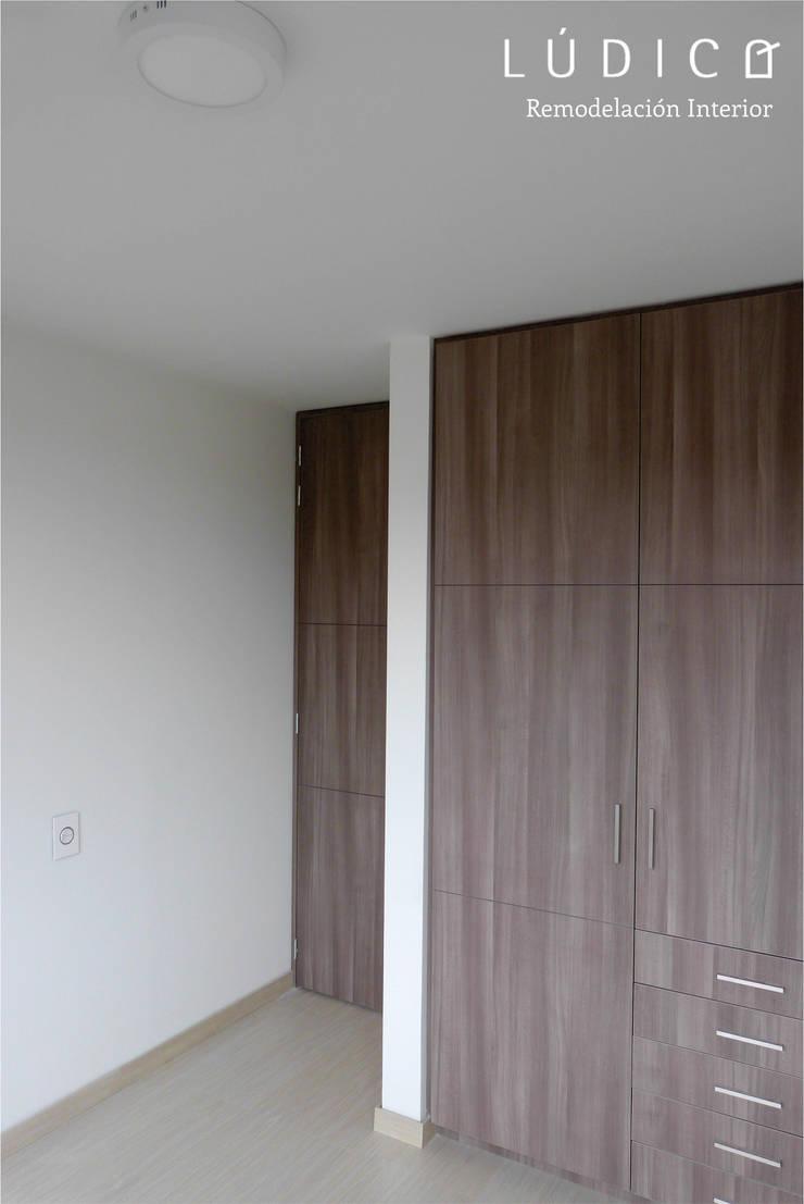 Apartamento Ciudad Salitre - Bogotá: Habitaciones de estilo  por Lúdico Arquitectos, Minimalista