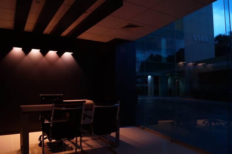 minimalist  by Element+1 taller de arquitectura , Minimalist