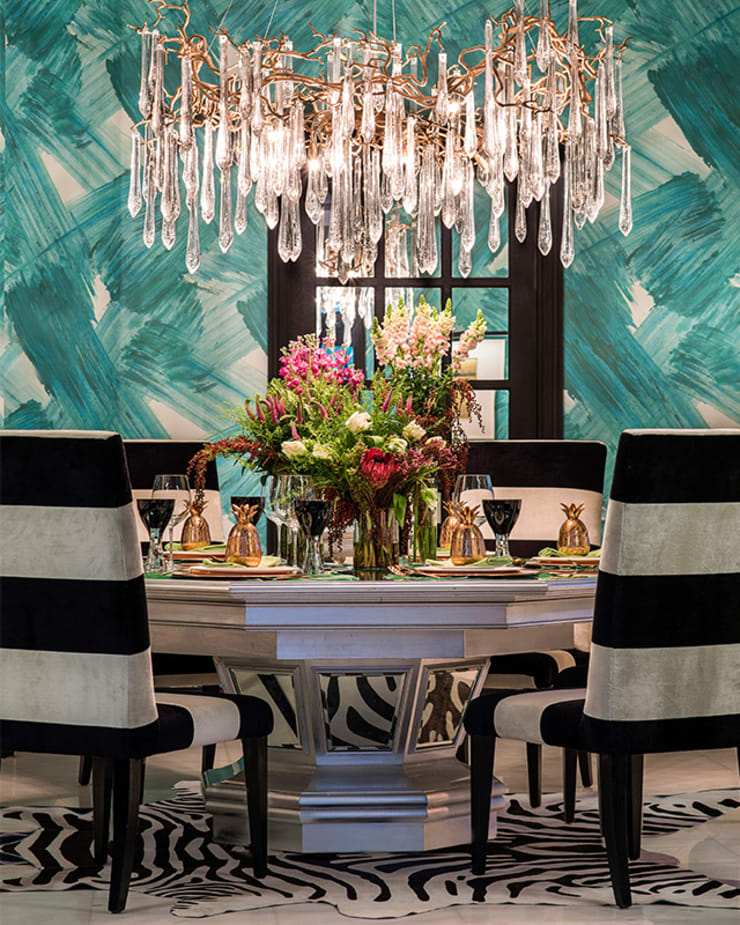 A Dashing Dazzler Modern dining room by Design Intervention Modern