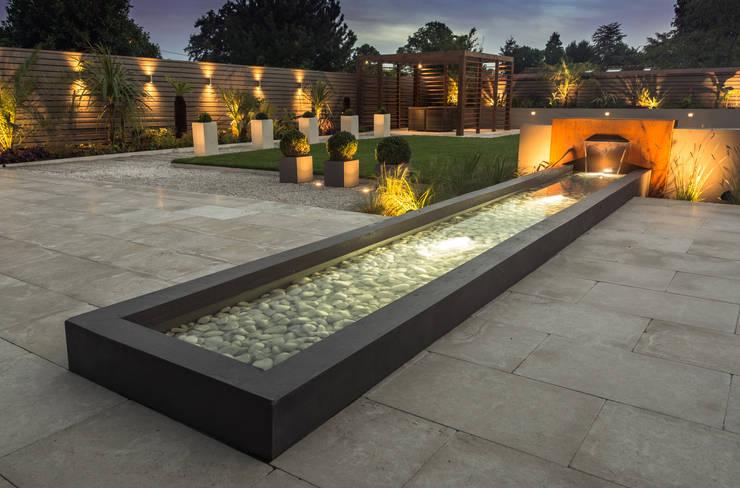 Jardines de estilo minimalista por Robert Hughes Garden Design