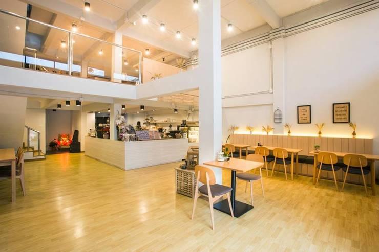 Interior 1:   by  good space  plus interiror- architect co.,ltd