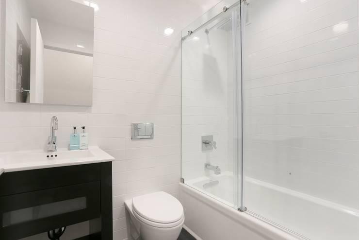 UWS Duplex :  Bathroom by Atelier036