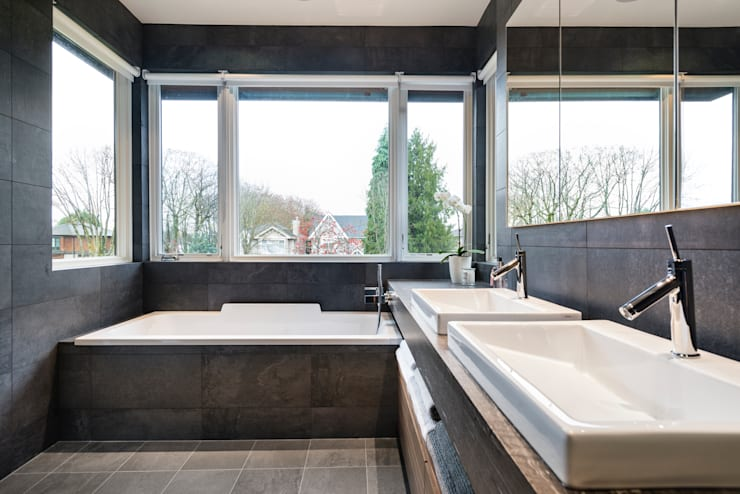 Master Ensuite:  Bathroom by Alice D'Andrea Design