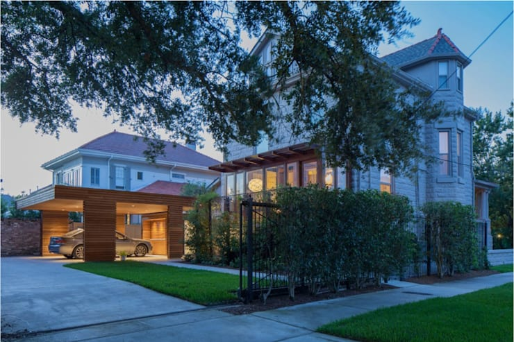 City Park Residence + Carport, New Orleans:  Houses by studioWTA