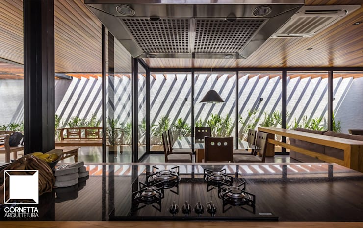 Comedores de estilo  por Cornetta Arquitetura