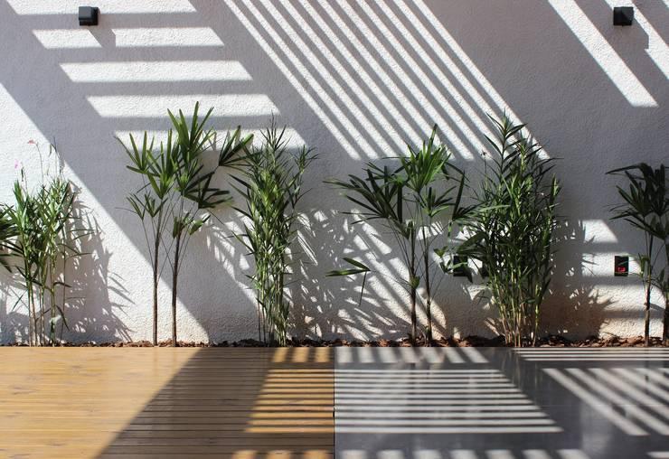 Garden by Cornetta Arquitetura