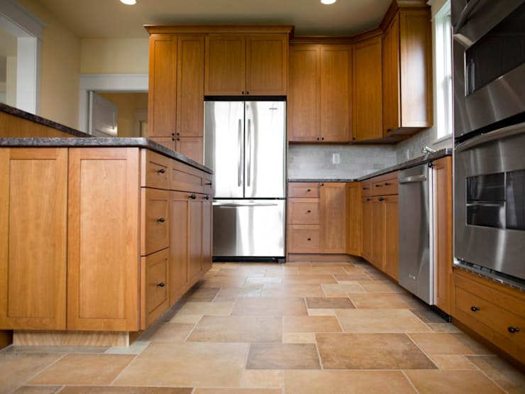 Vinyl Floor in the Kitchen:   by Johannesburg Laminate Flooring