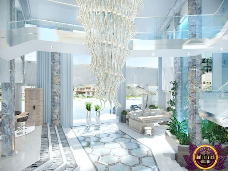 Flying into the future of luxury and comfort of Katrina Antonovich:  Corridor & hallway by Luxury Antonovich Design