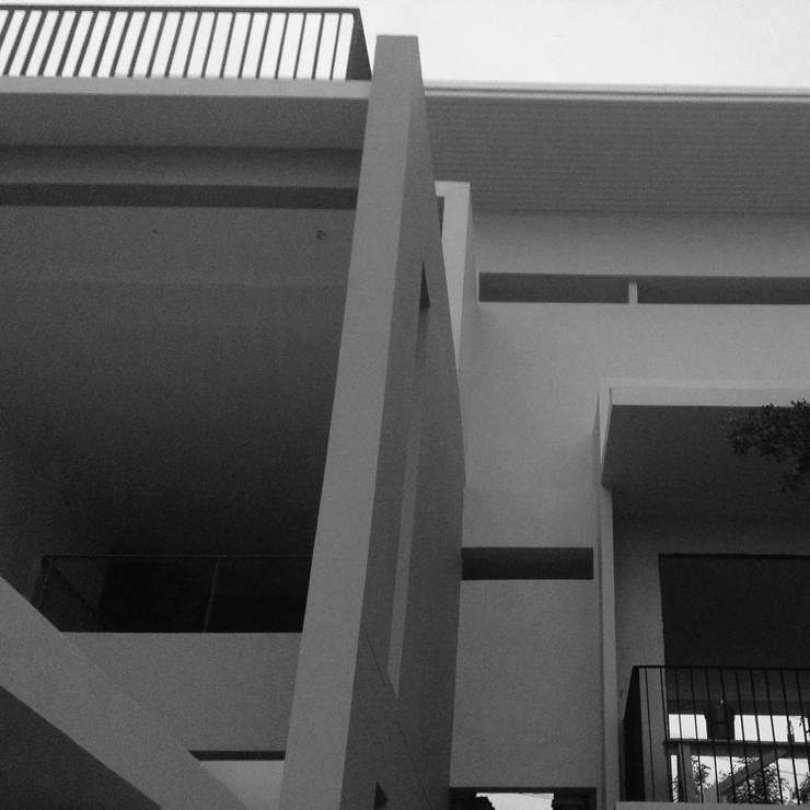 บ้านคุณนวรัตน์ เเสงสว่าง:   by archspiritgroup.co.,ltd
