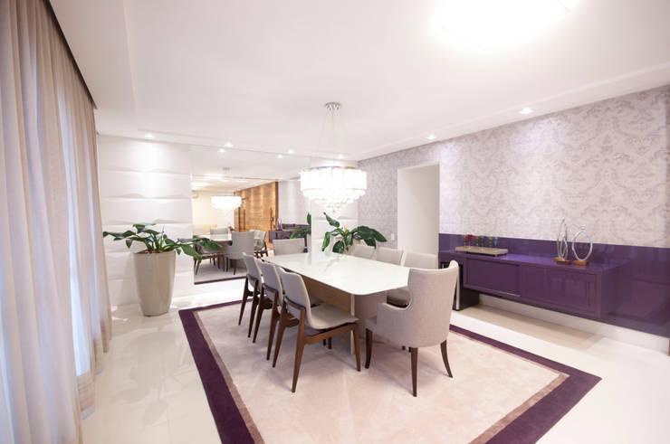 Sala de estar: Salas de jantar  por Haus Brasil Arquitetura e Interiores