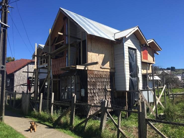 REVESTIMIENTOS 1: Casas de estilo  por GerSS Arquitectos