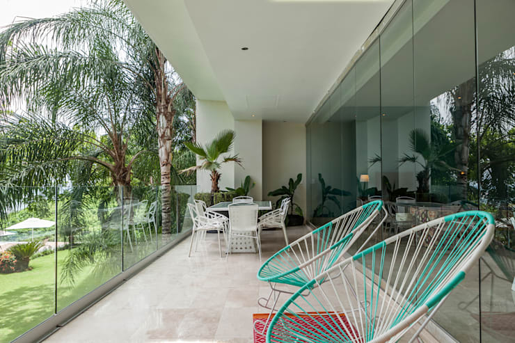 AVALON: Terrazas de estilo  por MORADA CUATRO