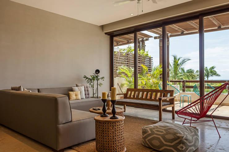Salas / recibidores de estilo  por MORADA CUATRO