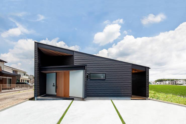บ้านและที่อยู่อาศัย by STaD(株式会社鈴木貴博建築設計事務所)