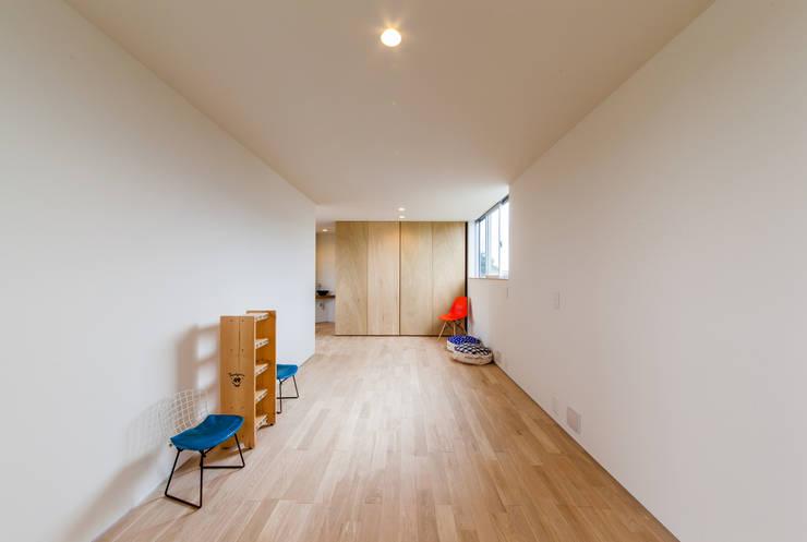 嬰兒房/兒童房 by STaD(株式会社鈴木貴博建築設計事務所)
