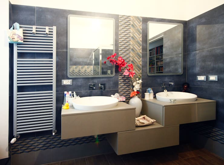CASA M&L: Bagno in stile  di Andrea Orioli