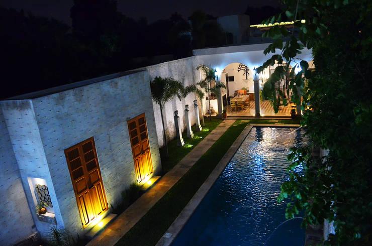 Pool by Workshop, diseño y construcción, Colonial