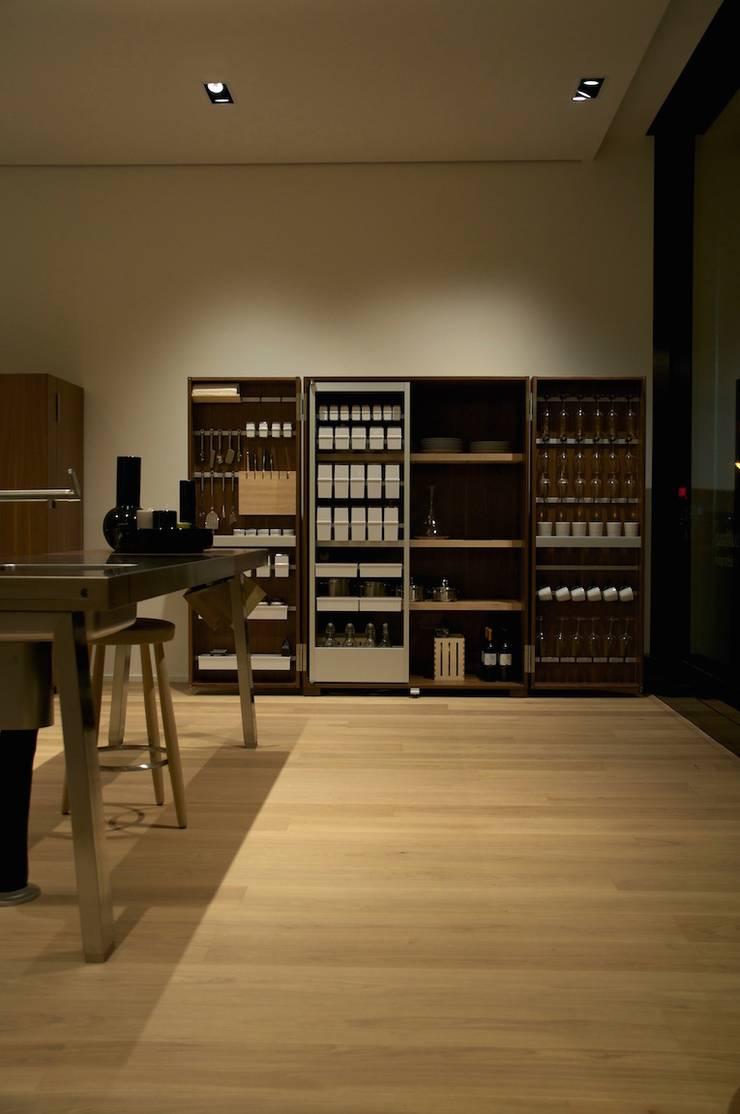 Bulthaup im Belsenpark:  Küche von Lixar GmbH,Modern