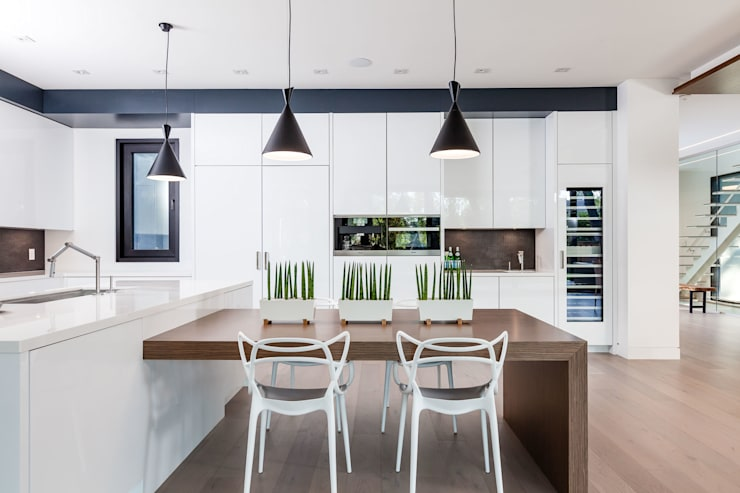 New Build-Staging:  Kitchen by Frahm Interiors