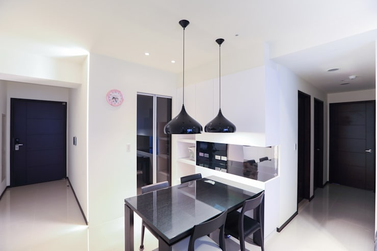 PURE‧乾淨而純粹 :  餐廳 by 微自然室內裝修設計有限公司