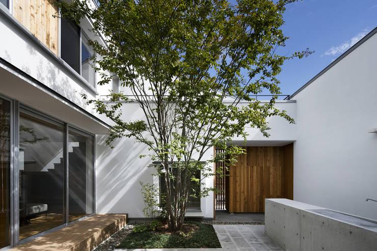 Garden  by プラスアトリエ一級建築士事務所