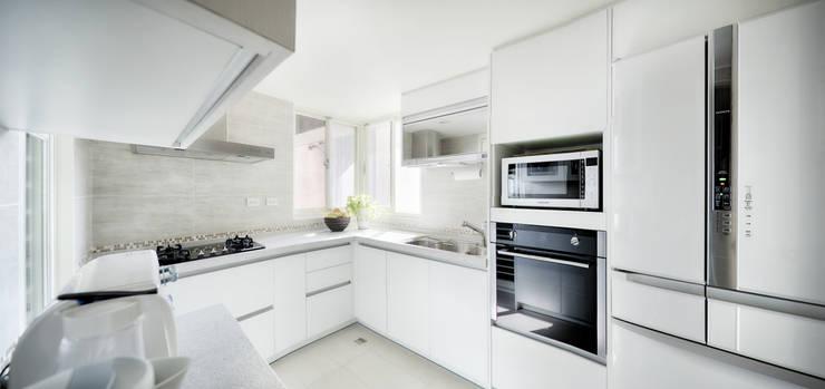 scandinavian Kitchen by 唯創空間設計公司