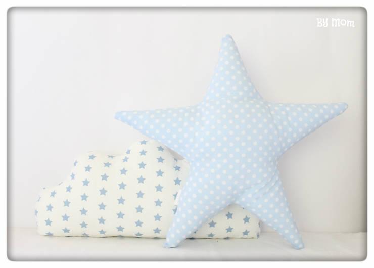 Almofada estrela: Quarto de crianças  por By Mom