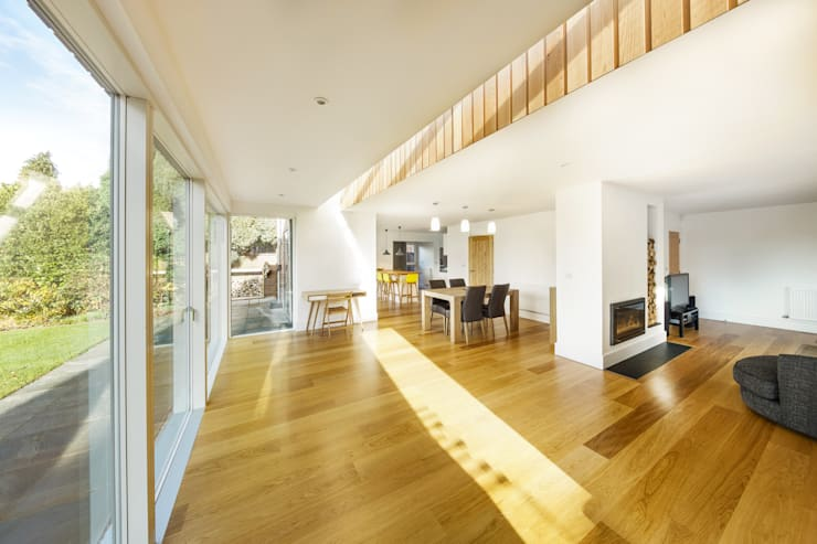 Poplar Road:  Living room by Adam Knibb Architects