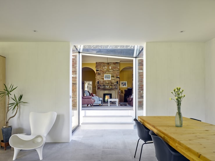 Hurdle House:  Dining room by Adam Knibb Architects