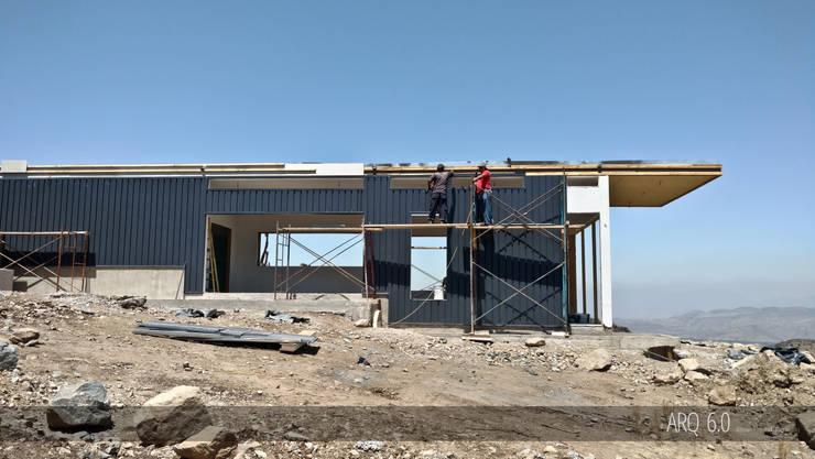 Casa Sotomayor: Casas de estilo moderno por Arq6.0